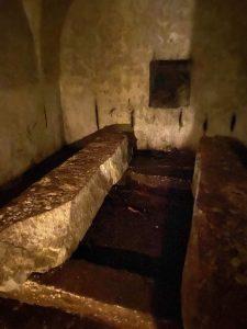 kostel Nejsvětější Trojice u Nové Bystřice katakomby